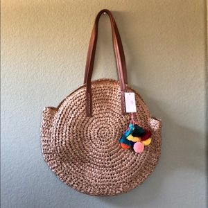 Bags - Adorable round straw bag with tassels